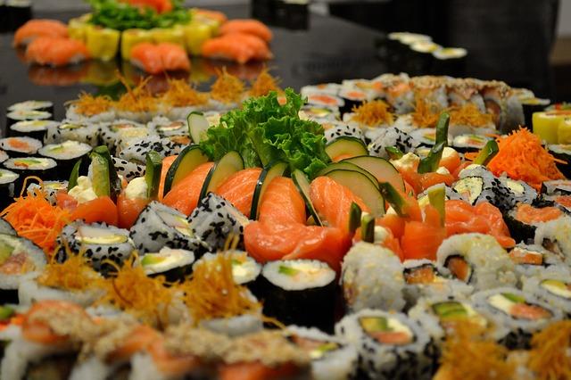 Как появились суши и роллы